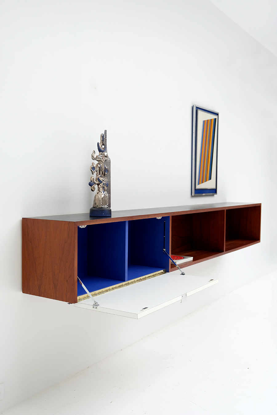 Victor Weekx floating sideboard image 12