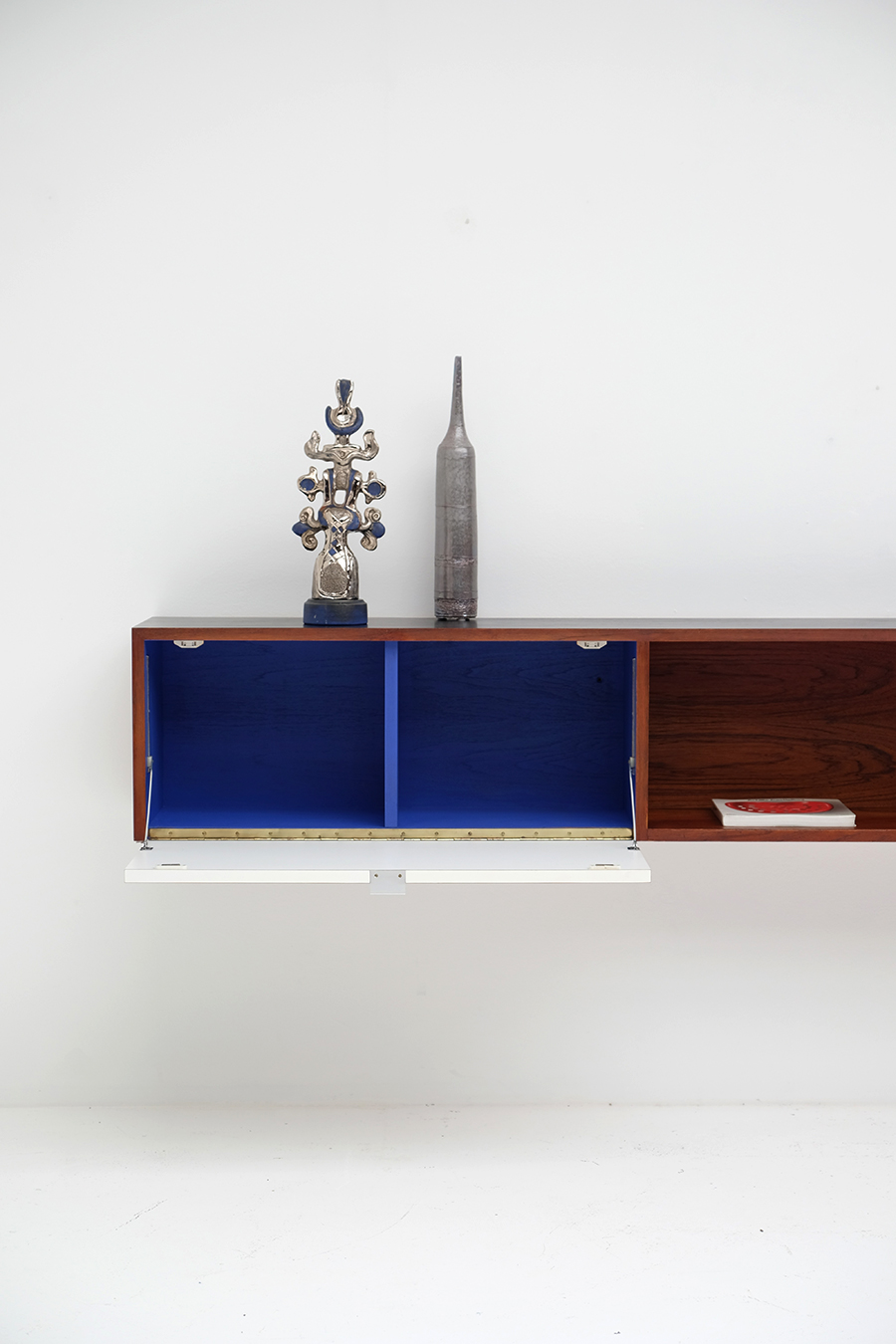Victor Weekx floating sideboard image 16