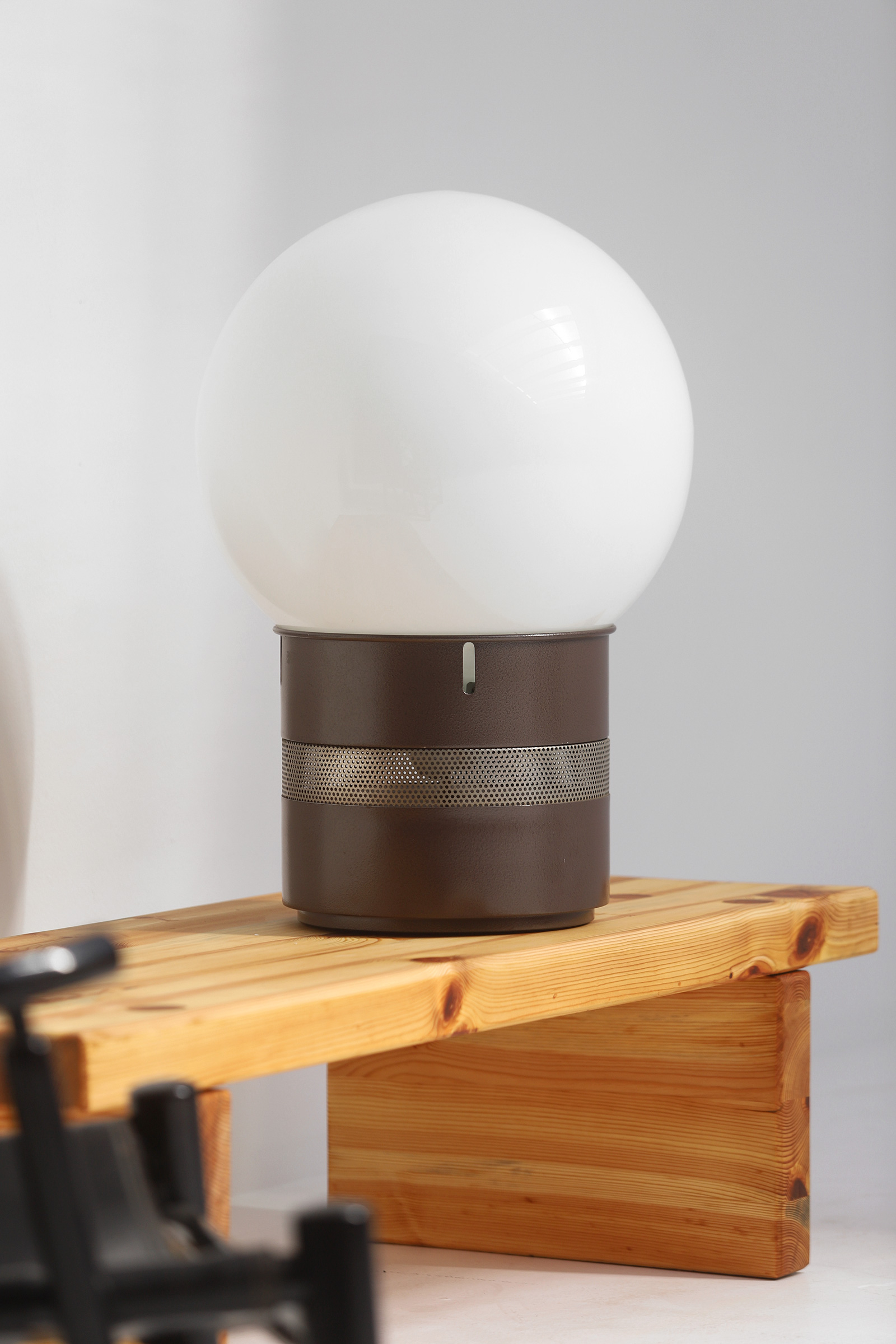 Gae Aulenti Mezzoracolo table lamp for Artemideimage 1