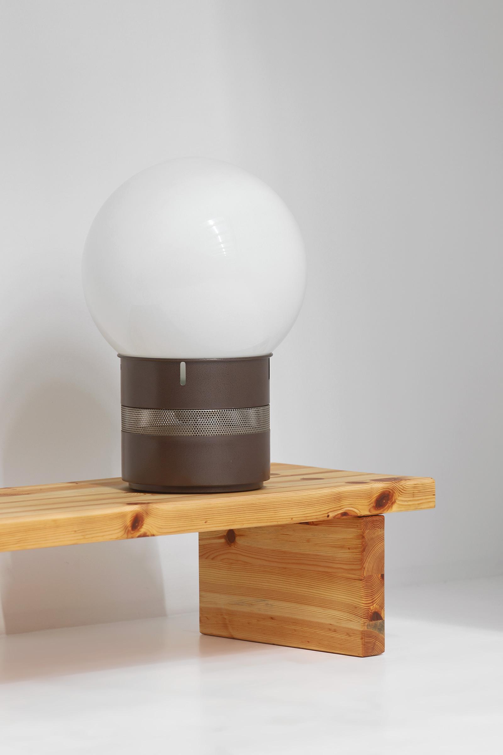 Gae Aulenti Mezzoracolo table lamp for Artemideimage 5