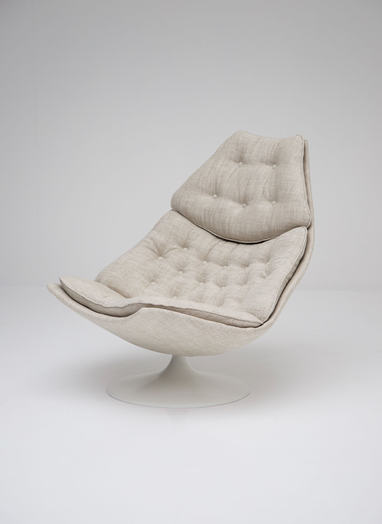 artifort f588 fauteuil by geoffrey harcourtimage 1