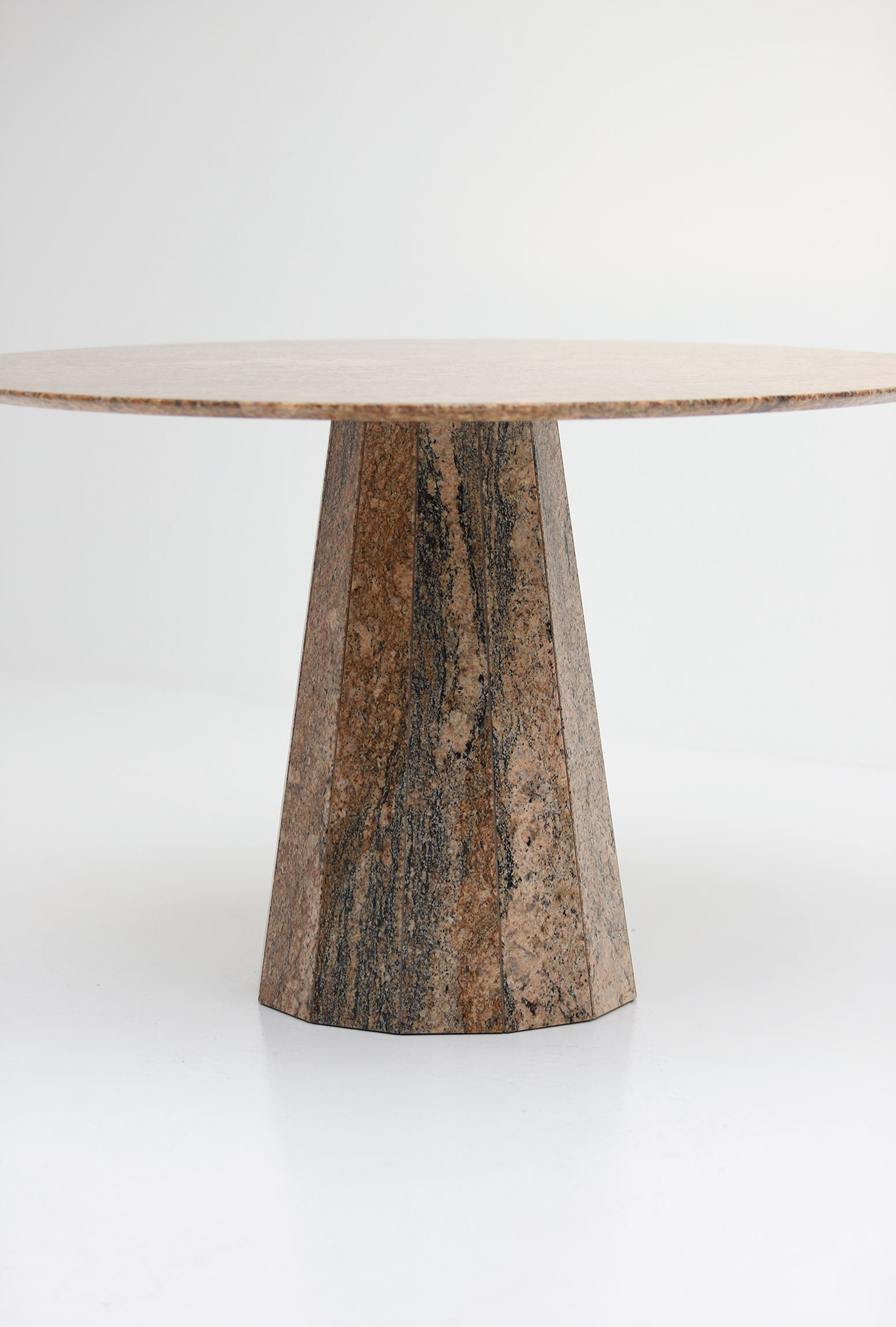 1970s Granite Dining Tableimage 2