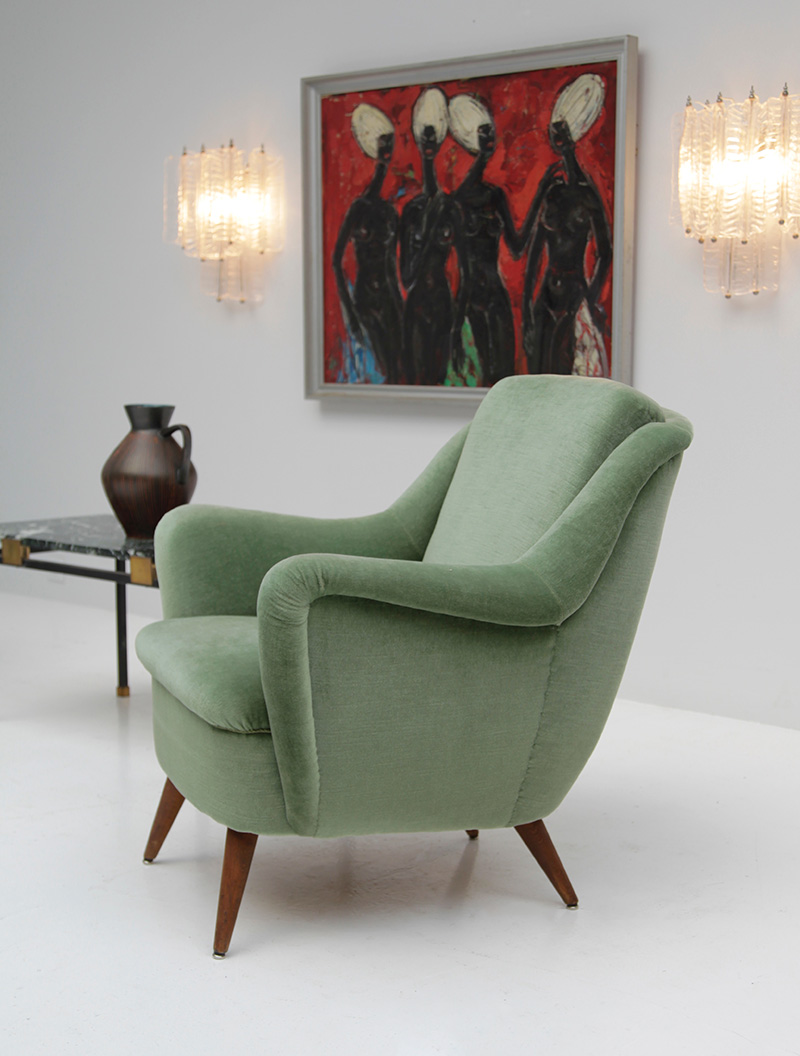 2 Easy Chairs in Green Velour  image 7