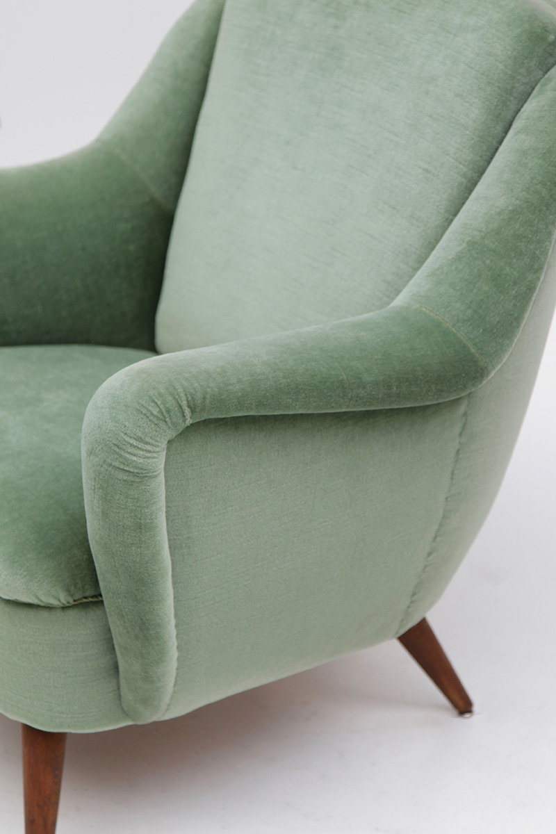 2 Easy Chairs in Green Velour  image 8