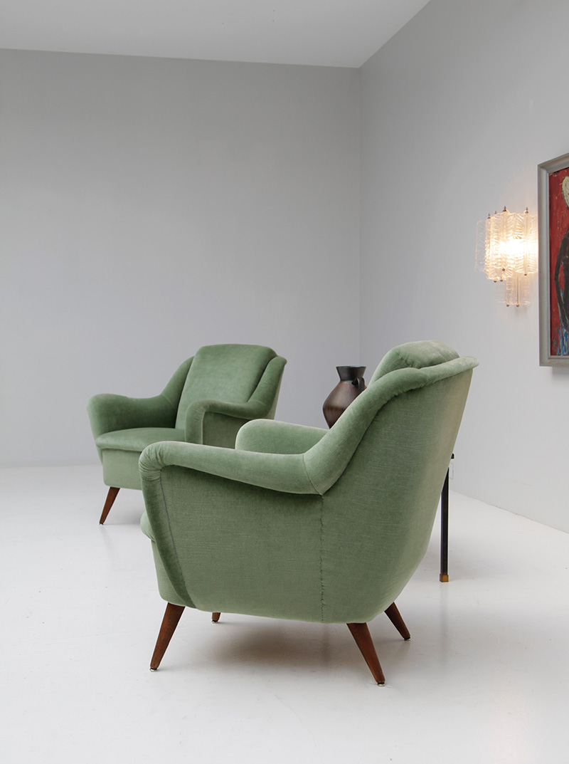 2 Easy Chairs in Green Velour  image 5