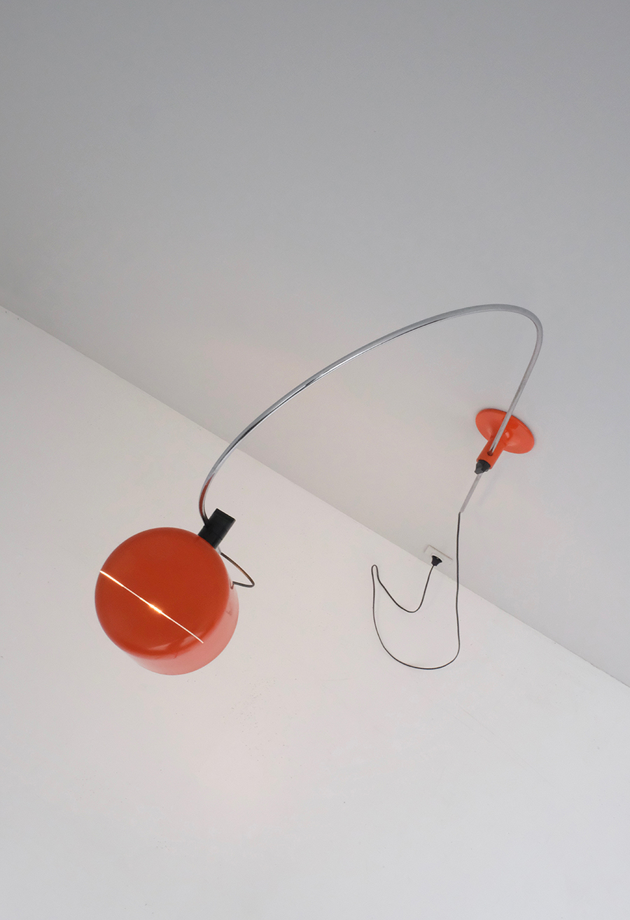 JOE COLOMBO FOR OLUCE COUPE WALL LAMPimage 4