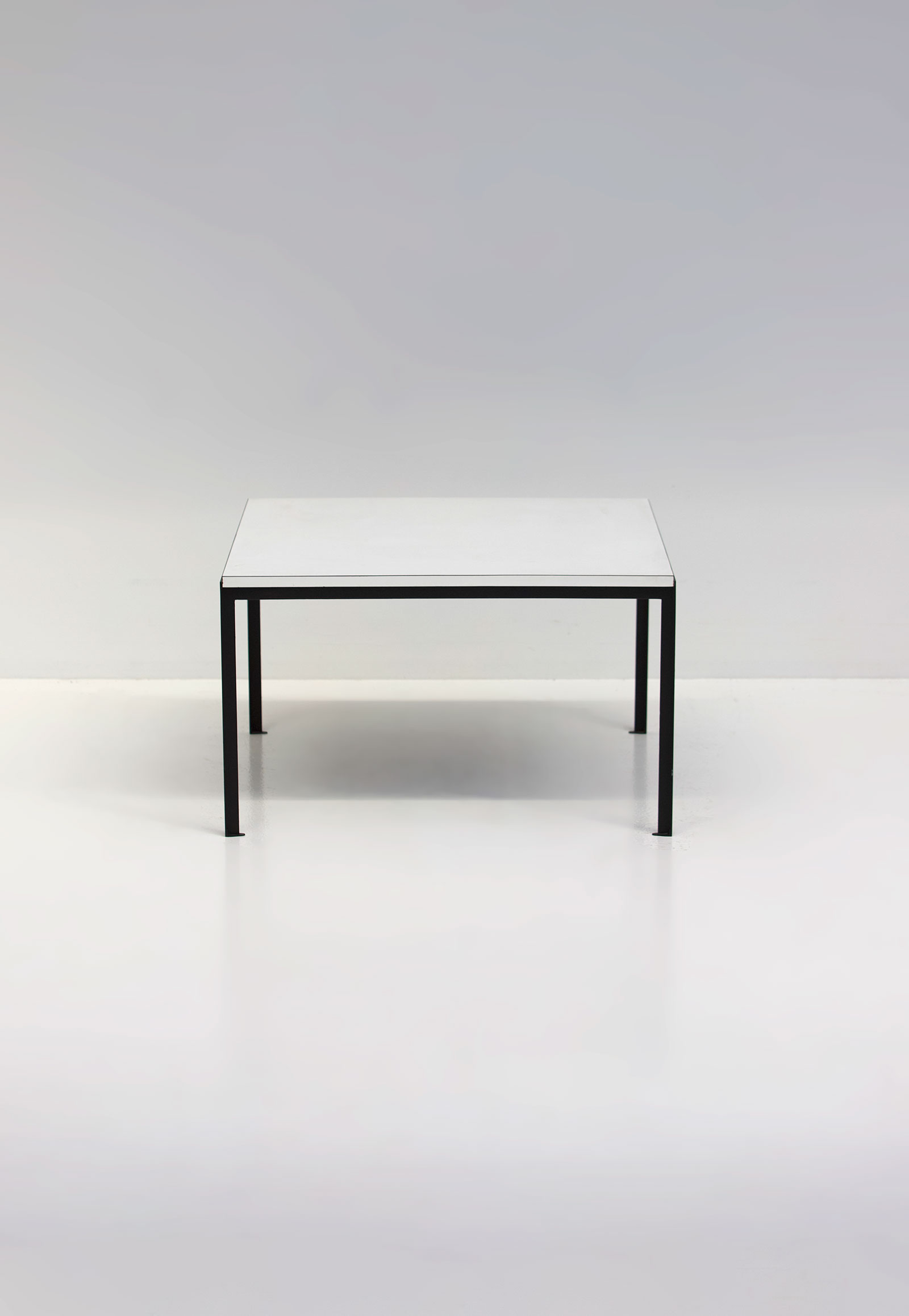 Florence Knoll Coffee / Side Table