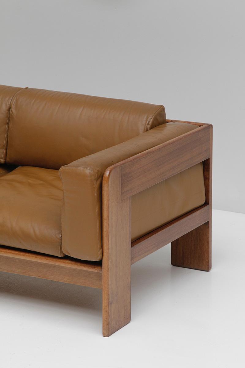 70s Wide Cognac Leather Sofaimage 6