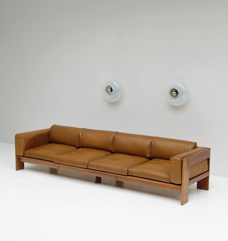 70s Wide Cognac Leather Sofaimage 4