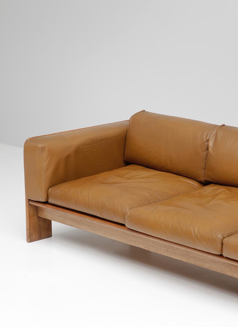 70s Wide Cognac Leather Sofaimage 5