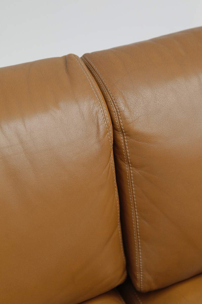 70s Wide Cognac Leather Sofaimage 13