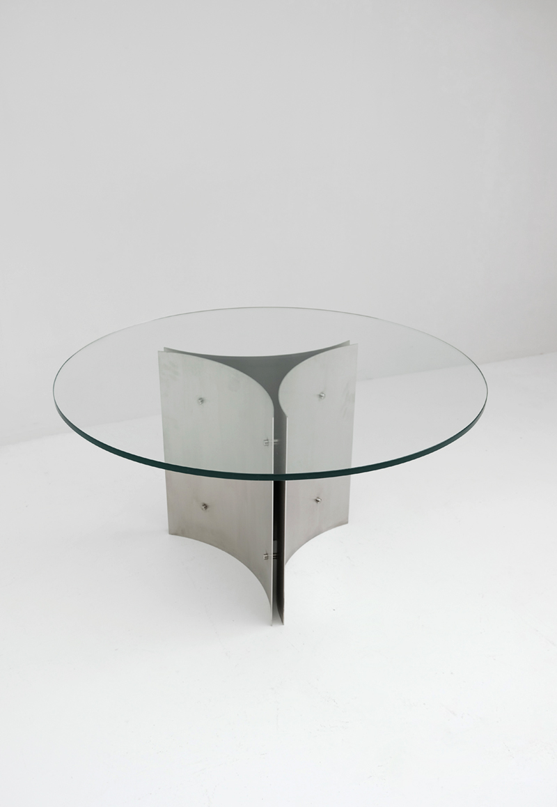 Round Pedestal Dining Table in Steel and Glassimage 2