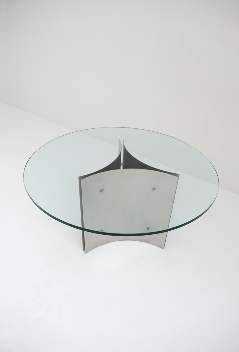 Round Pedestal Dining Table in Steel and Glassimage 5