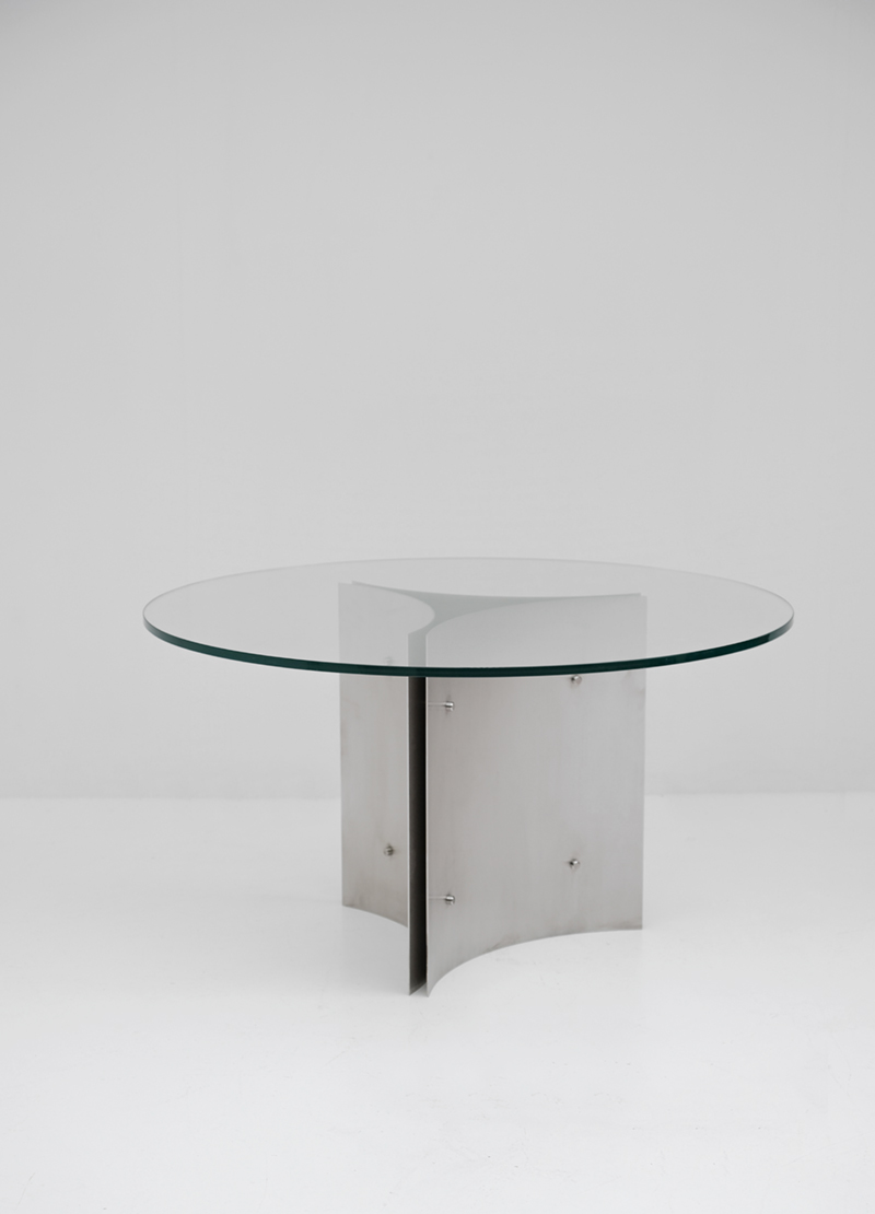 Round Pedestal Dining Table in Steel and Glassimage 4