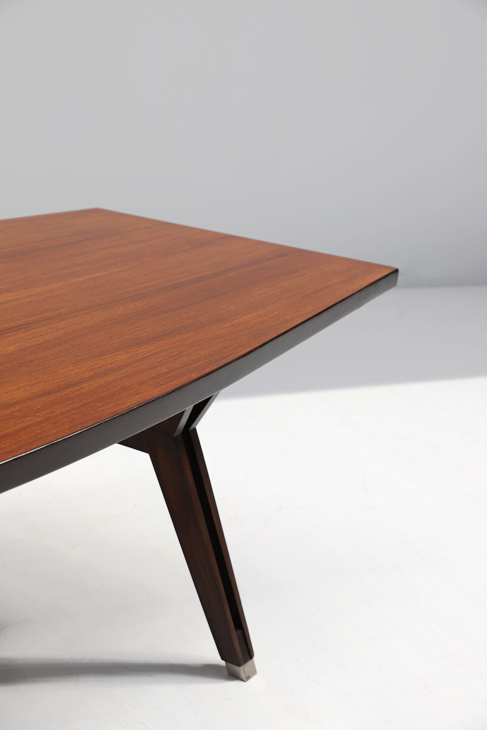 MIM Dining / Conference Table Ico Parisiimage 6