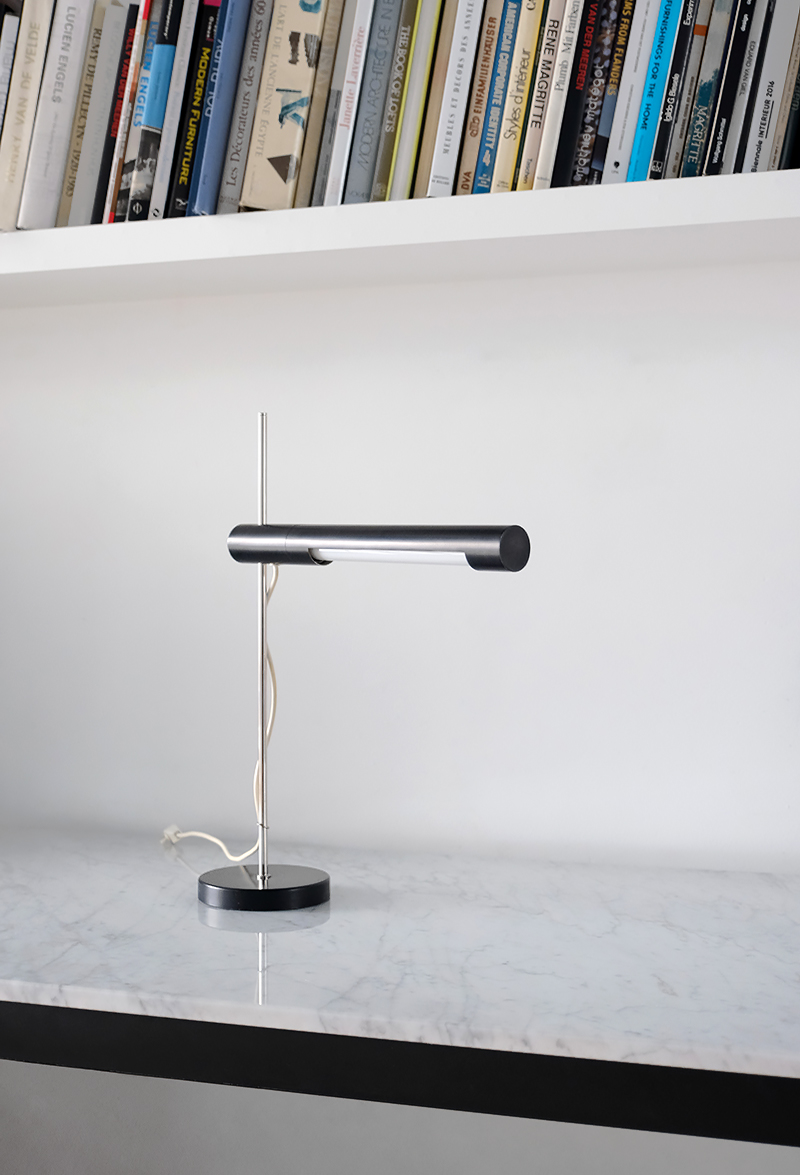Minimalist desk lamp 1950simage 3