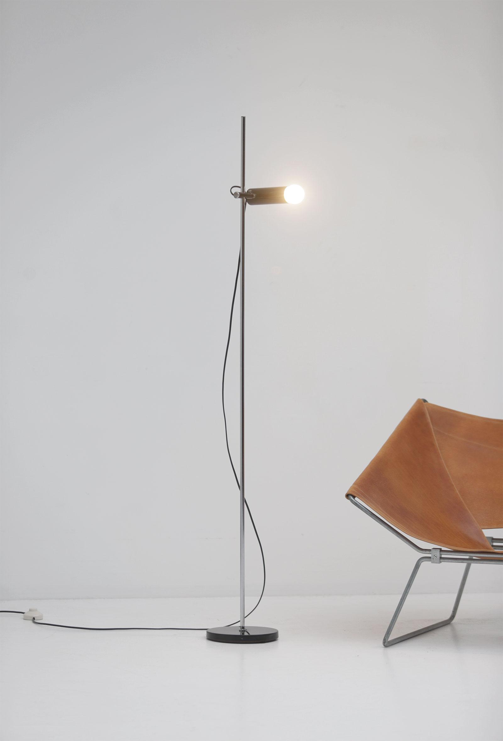 1950s Minimalist adjustable floor lampimage 1