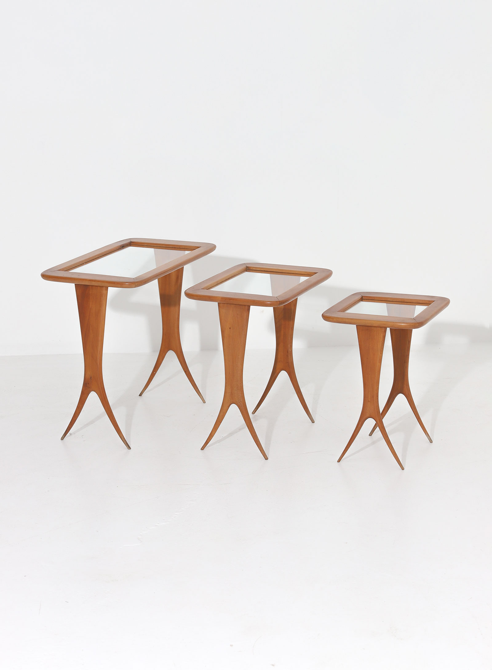 Rare 1950s nesting tables Raphaelimage 2