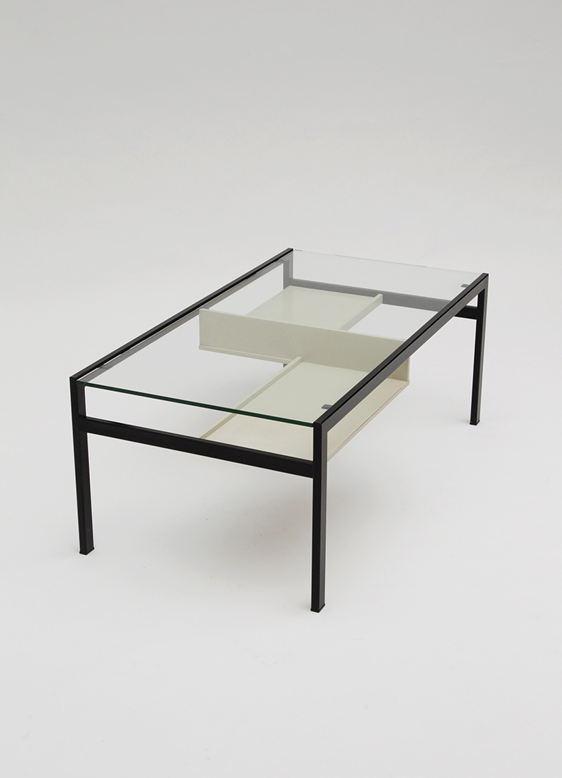 MINIMALIST PASTOE COFFEE TABLE