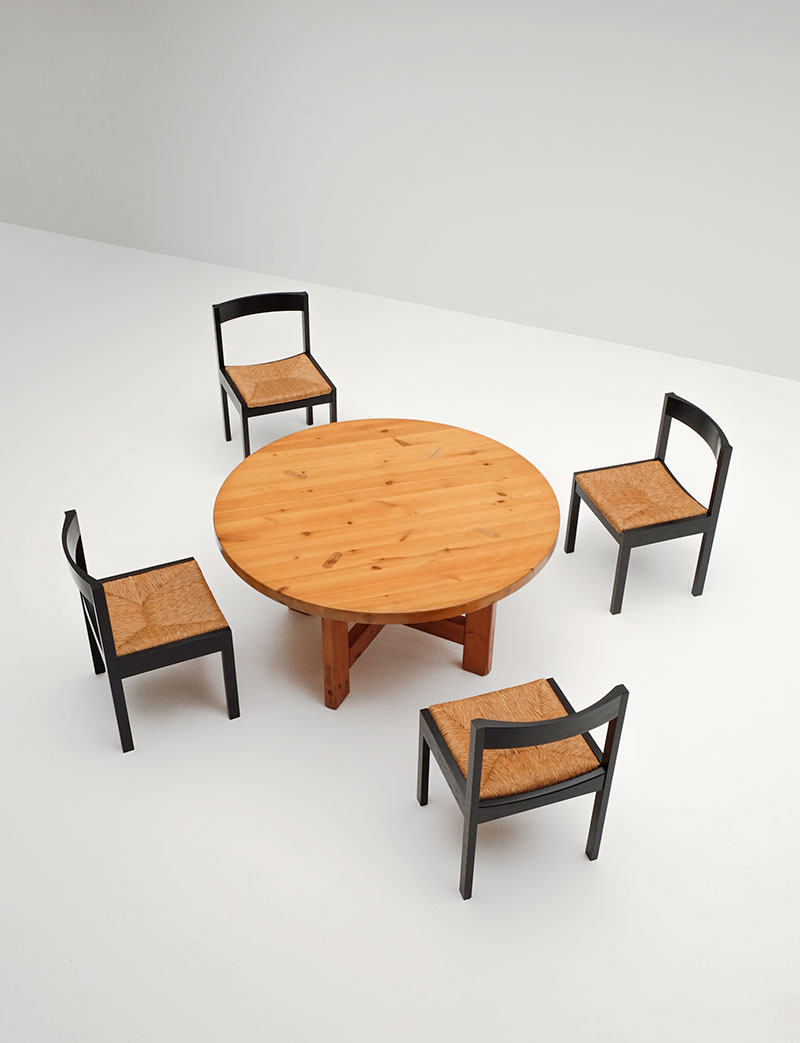 A Set of 6  Rush Seated Chairs  image 4