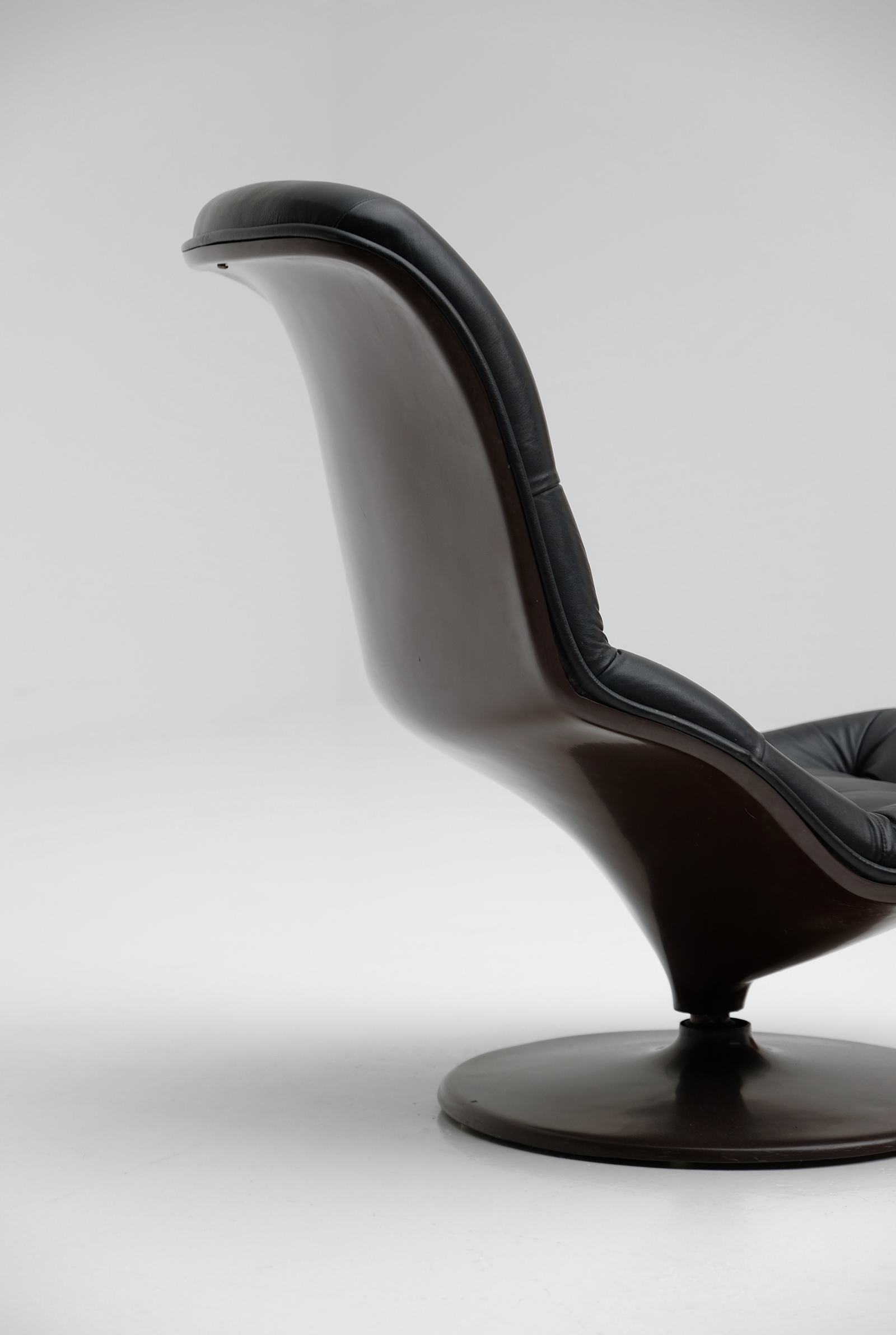 Georges Van Rijck Shelby Lounge chair