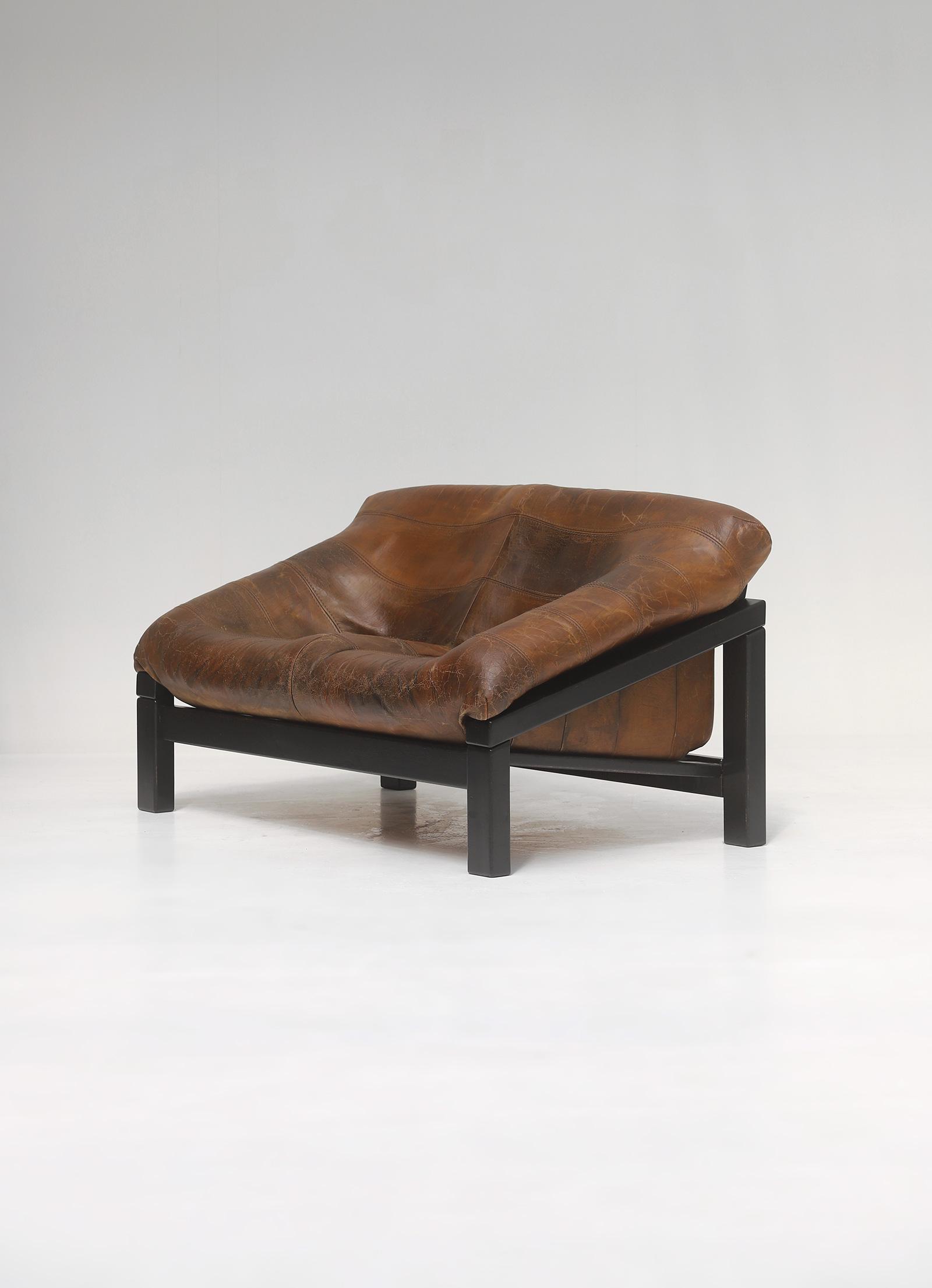 Decorative 2 seat leather Sofaimage 3