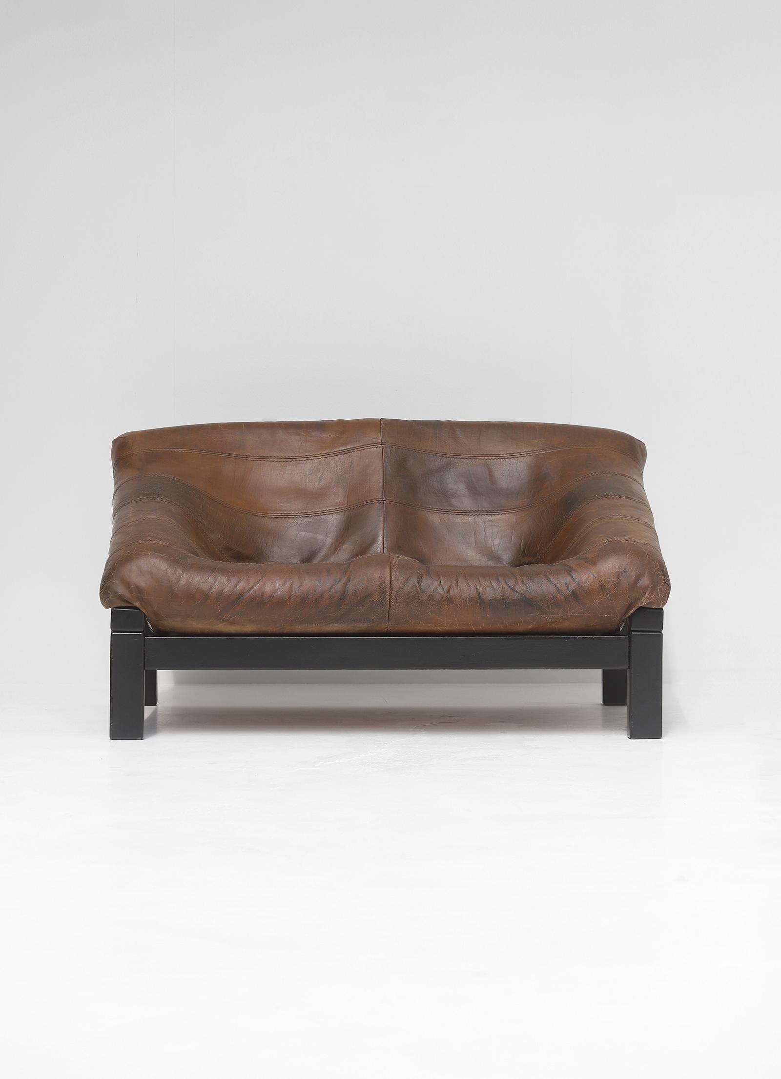 Decorative 2 seat leather Sofaimage 2