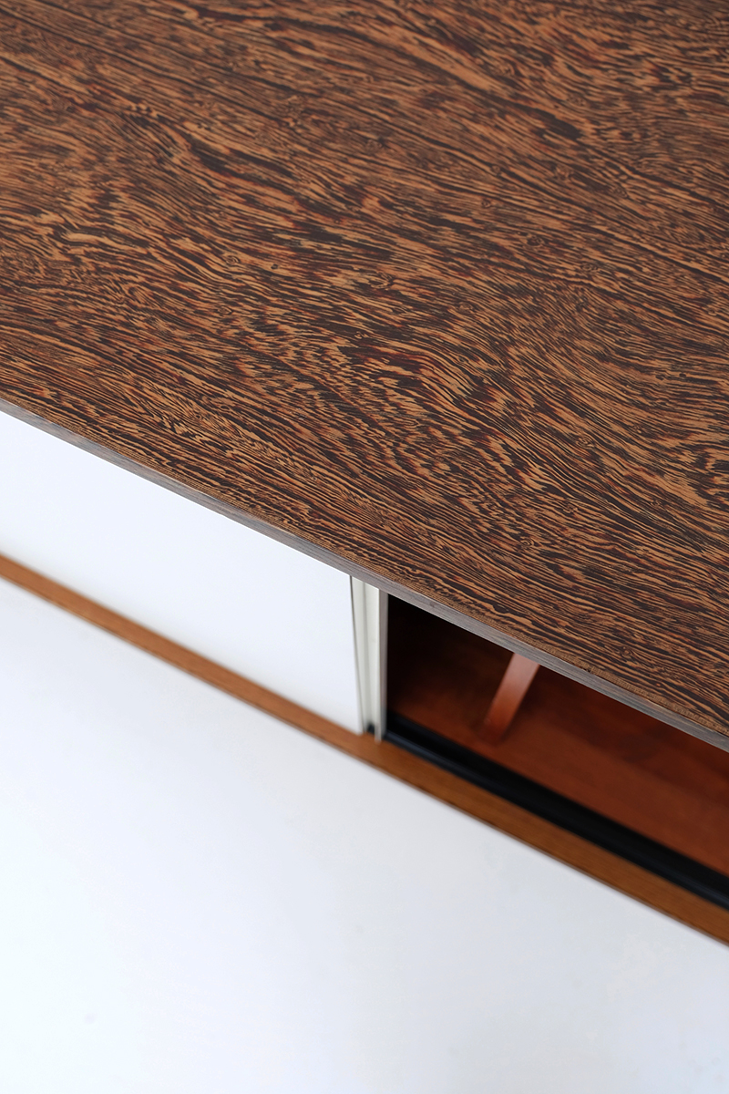 Martin Visser floating sideboard t Spectrum