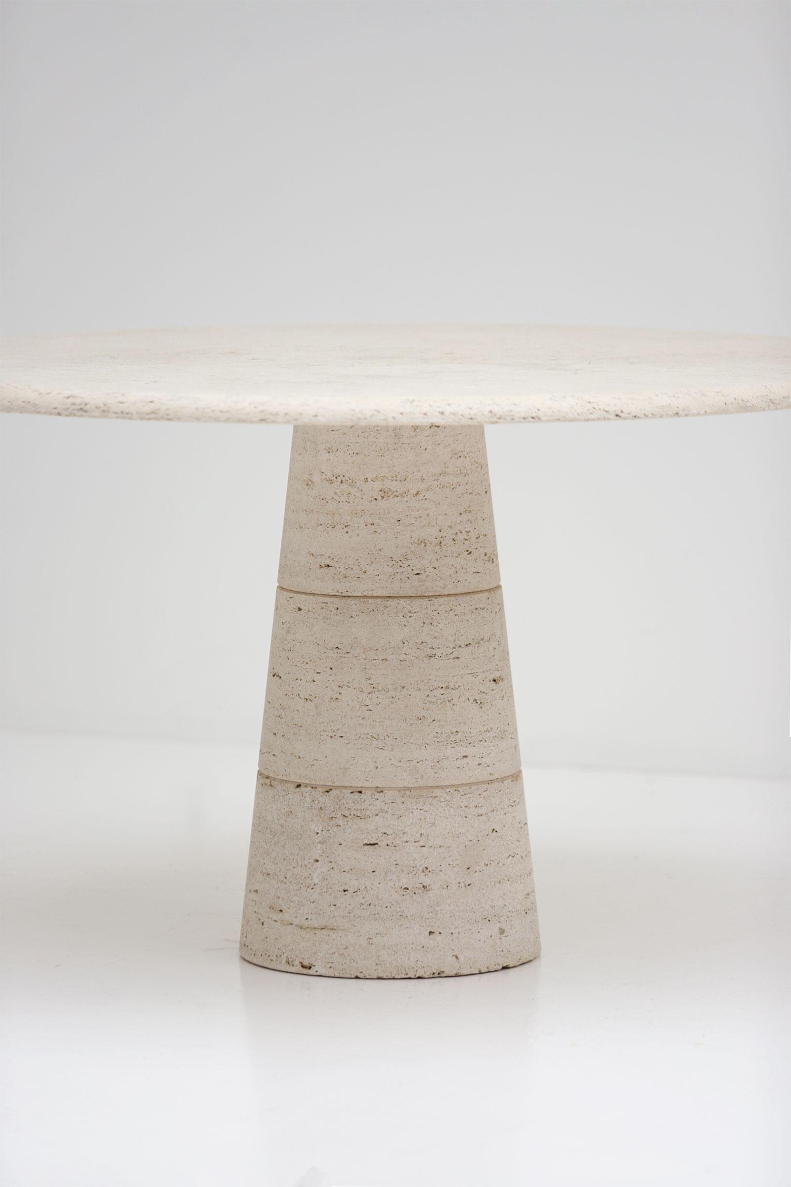 Travertin Round Dining Table Up&Upimage 2
