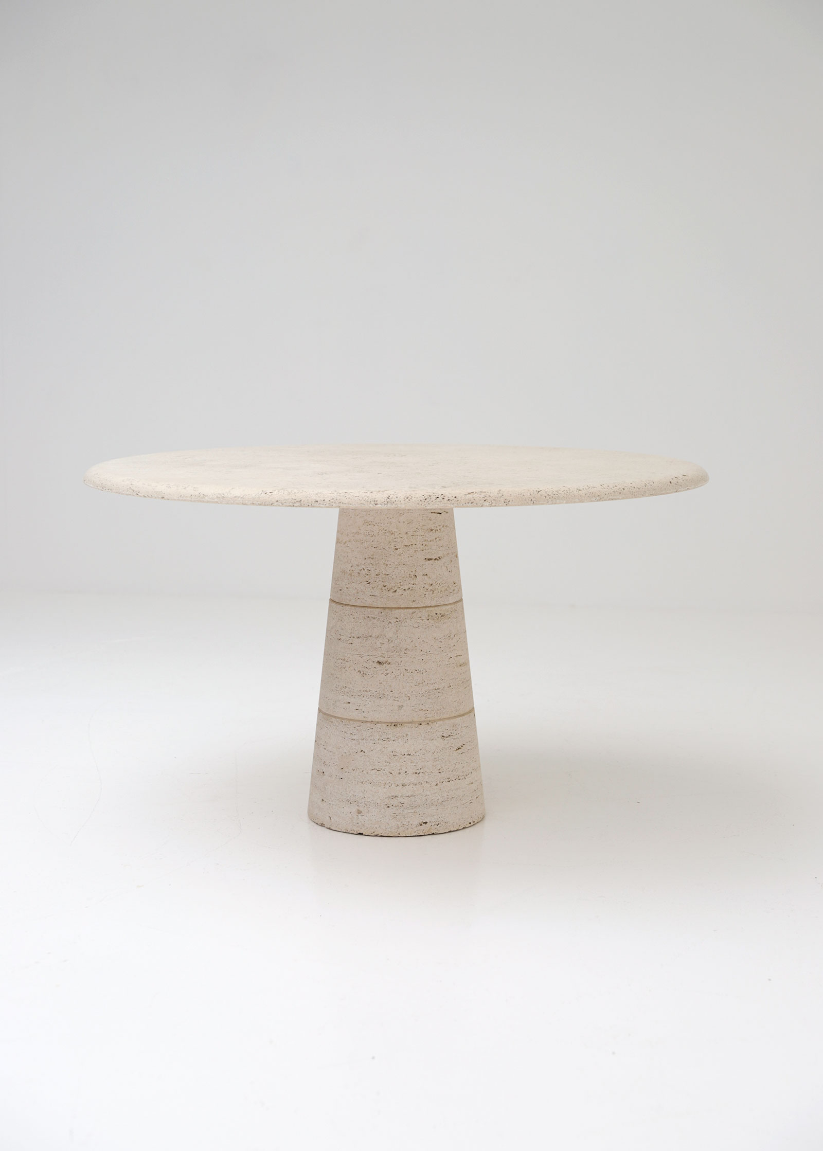 Travertin Round Dining Table Up&Up
