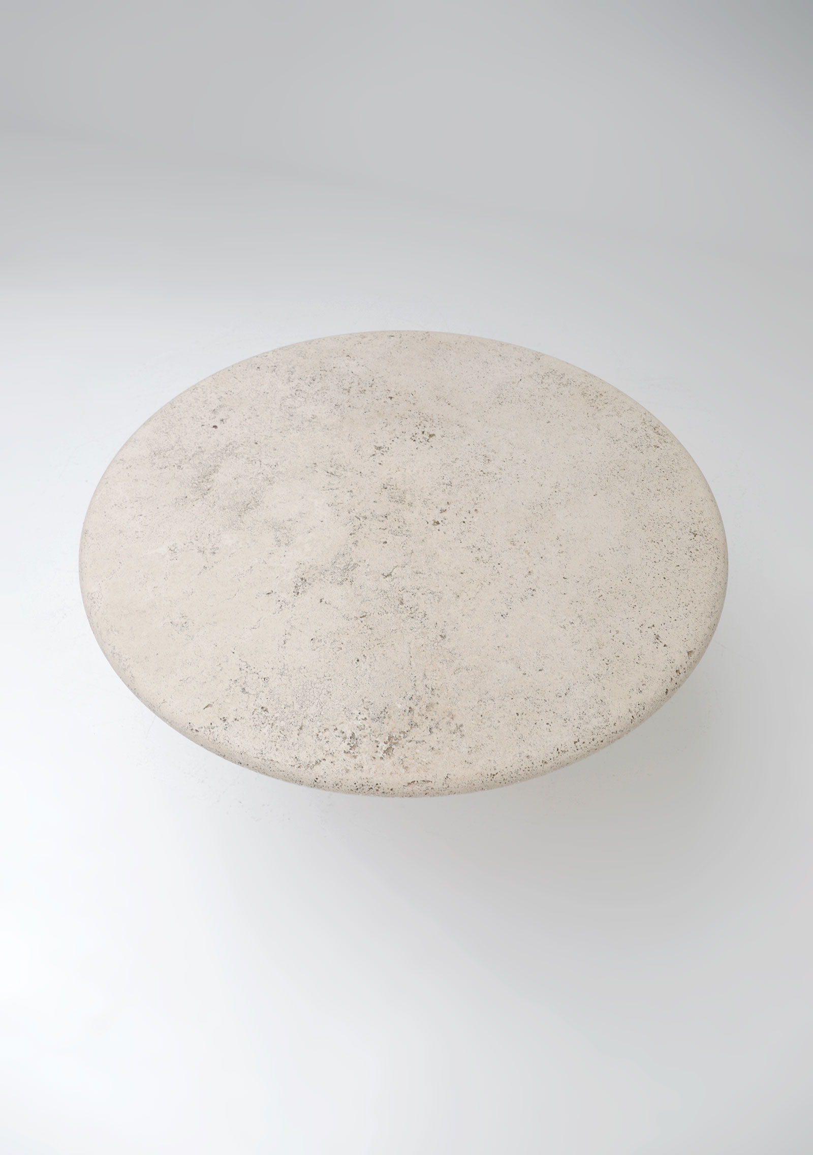 Travertin Round Dining Table Up&Upimage 6