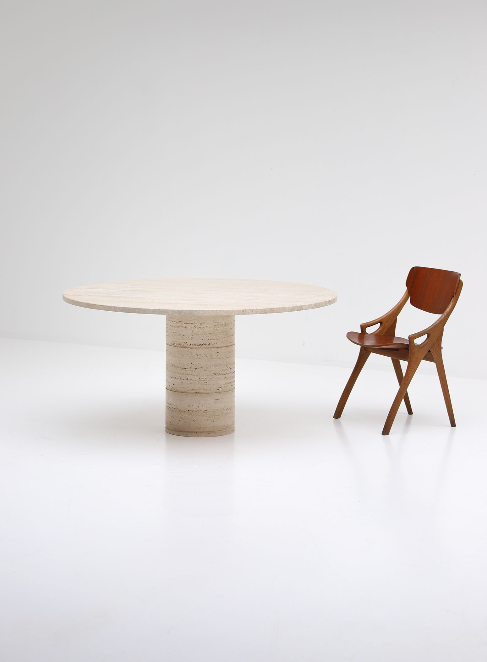 Up&Up Travertine Round Pedestal Dining Table