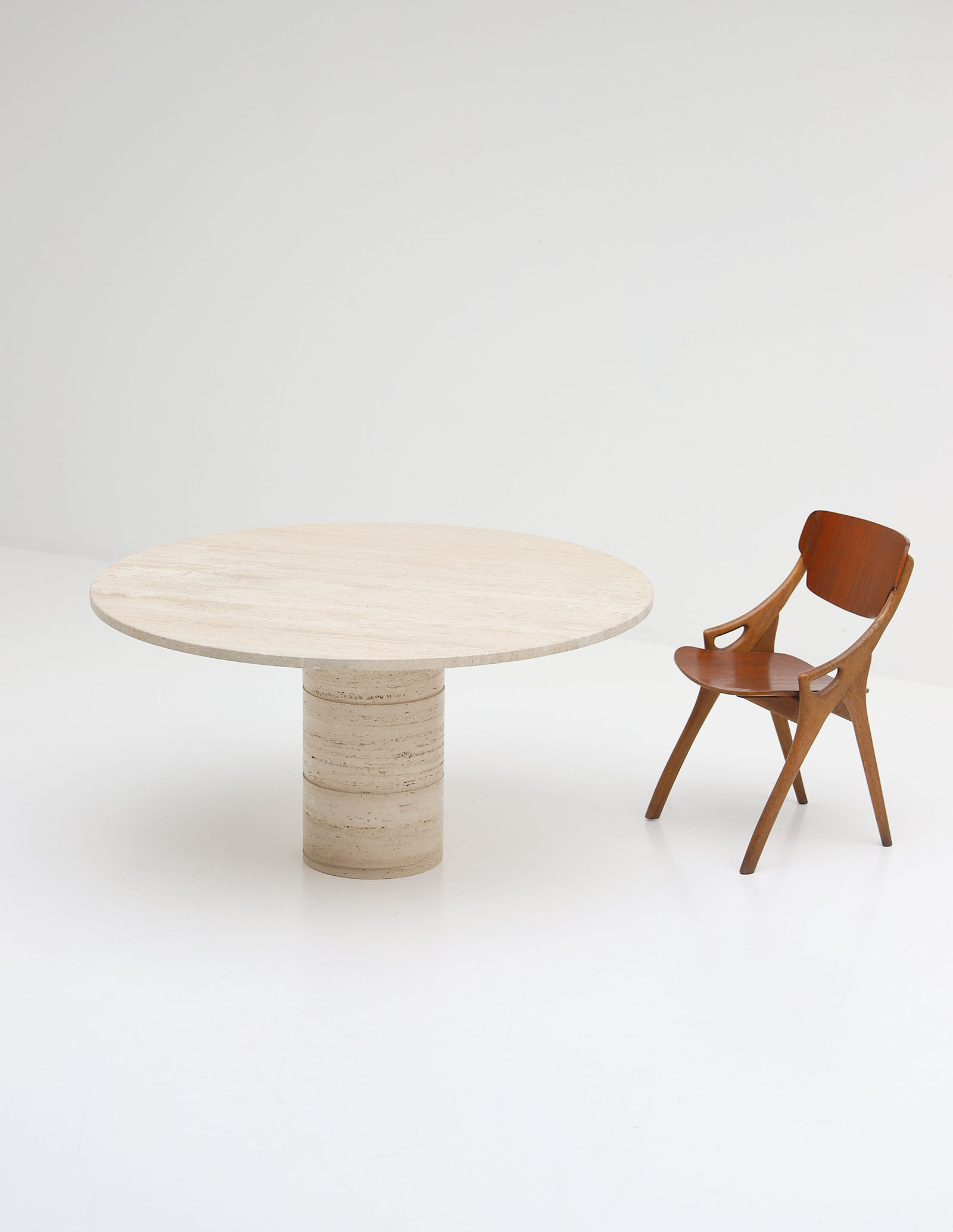 Up&Up Travertine Round Pedestal Dining Table image 5