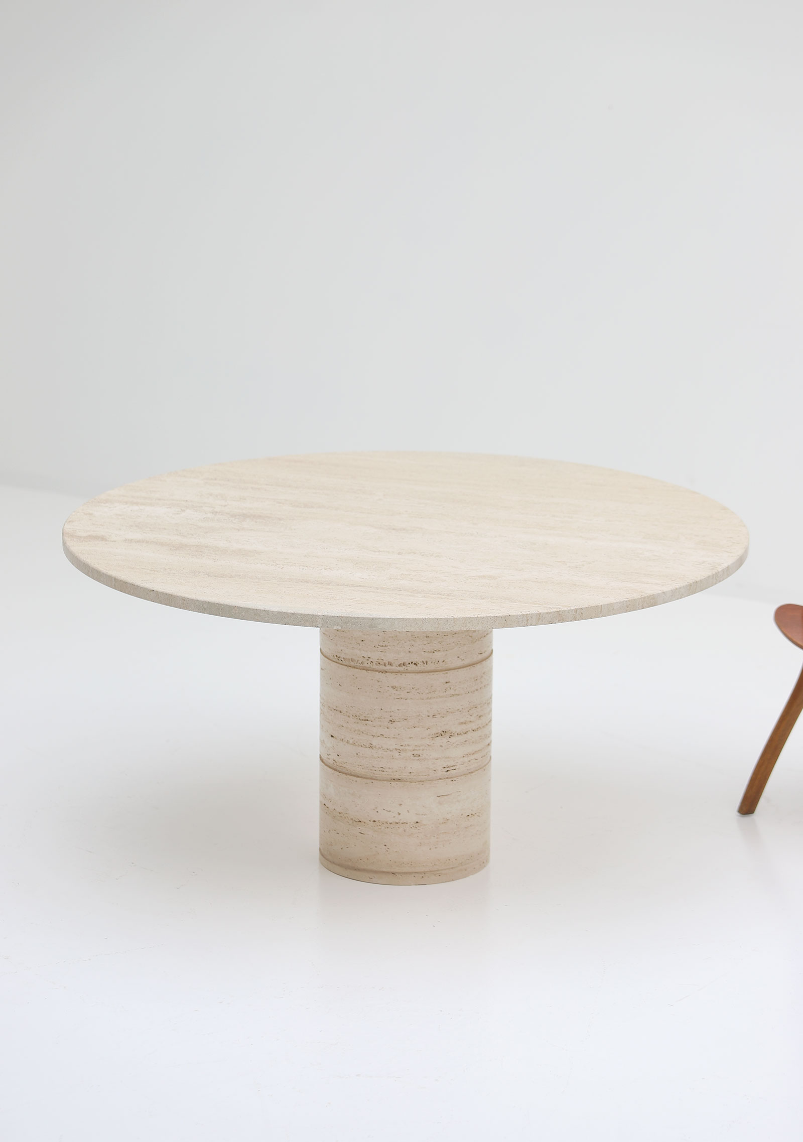 Up&Up Travertine Round Pedestal Dining Table image 6