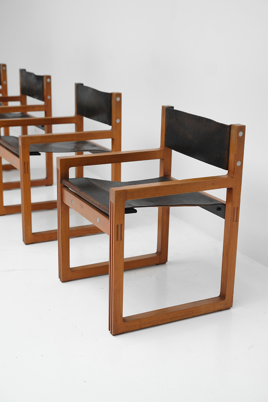 Christophe Gevers Chairs for De Coeneimage 4