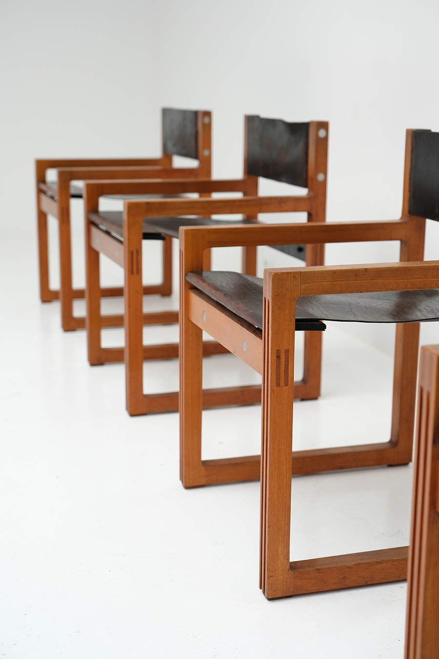 Christophe Gevers Chairs for De Coeneimage 5