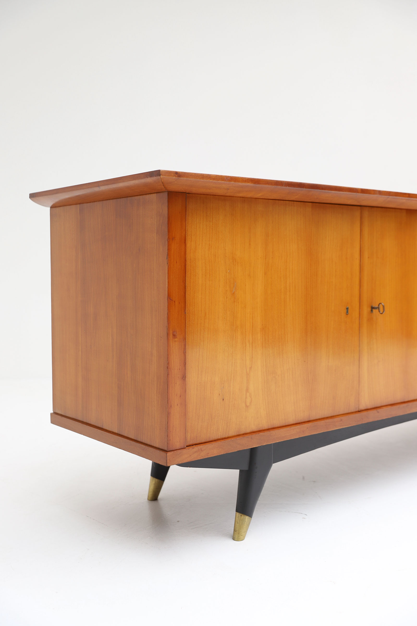 Exceptional Large 1950's Sideboard image 6