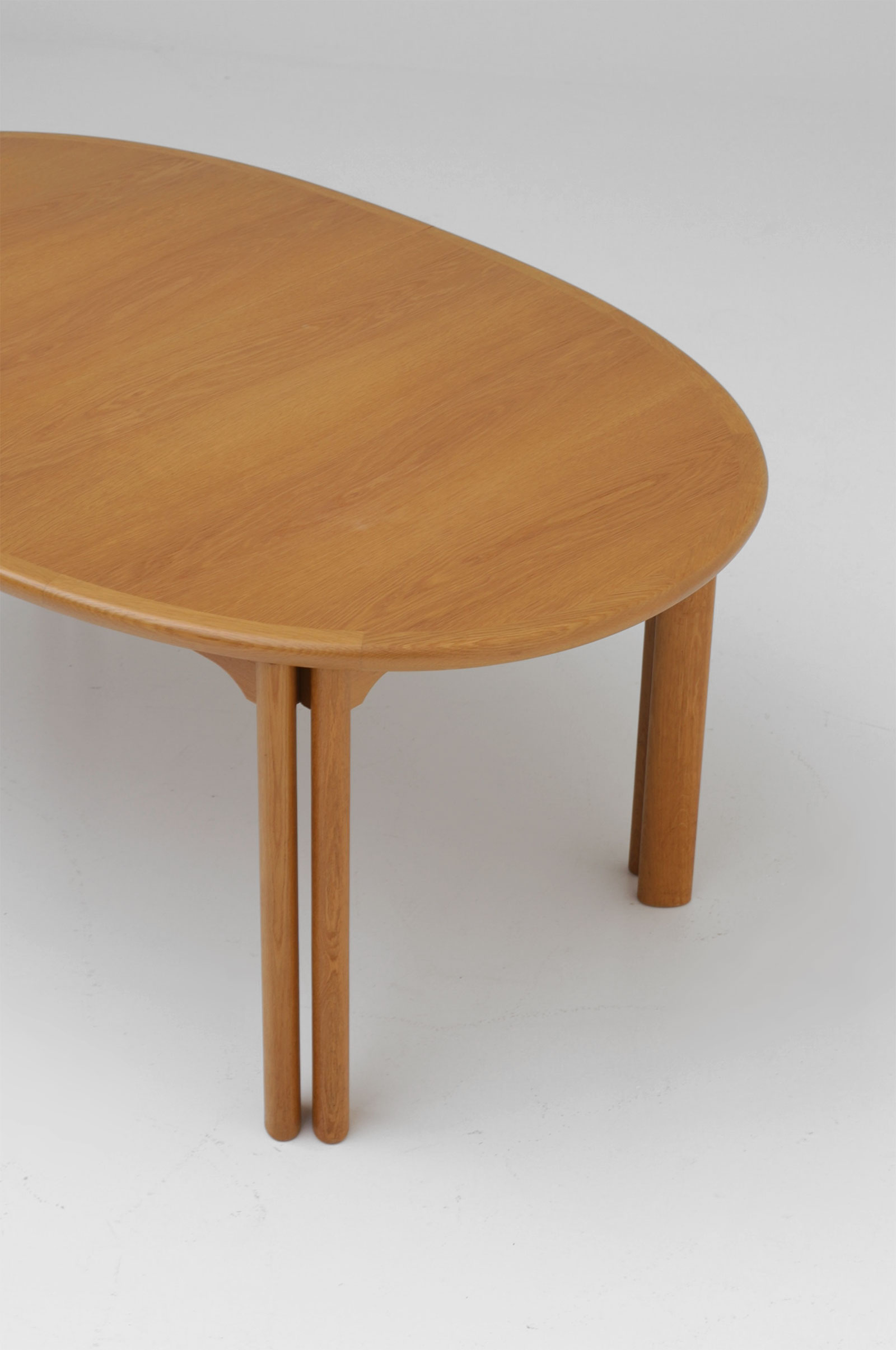 Oak Dining Table Van Den Berghe Pauversimage 2