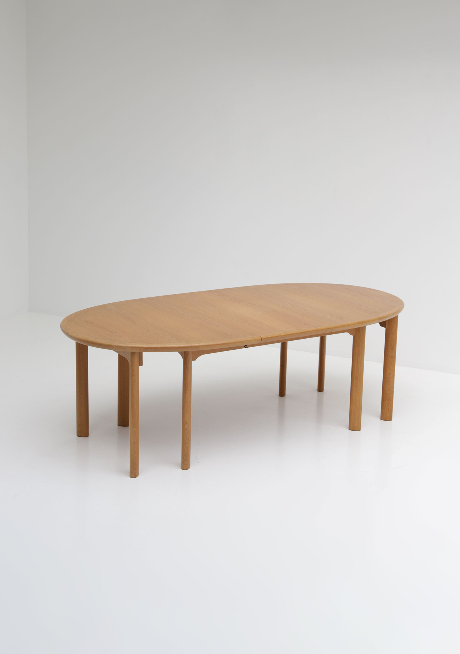 Oak Dining Table Van Den Berghe Pauversimage 5