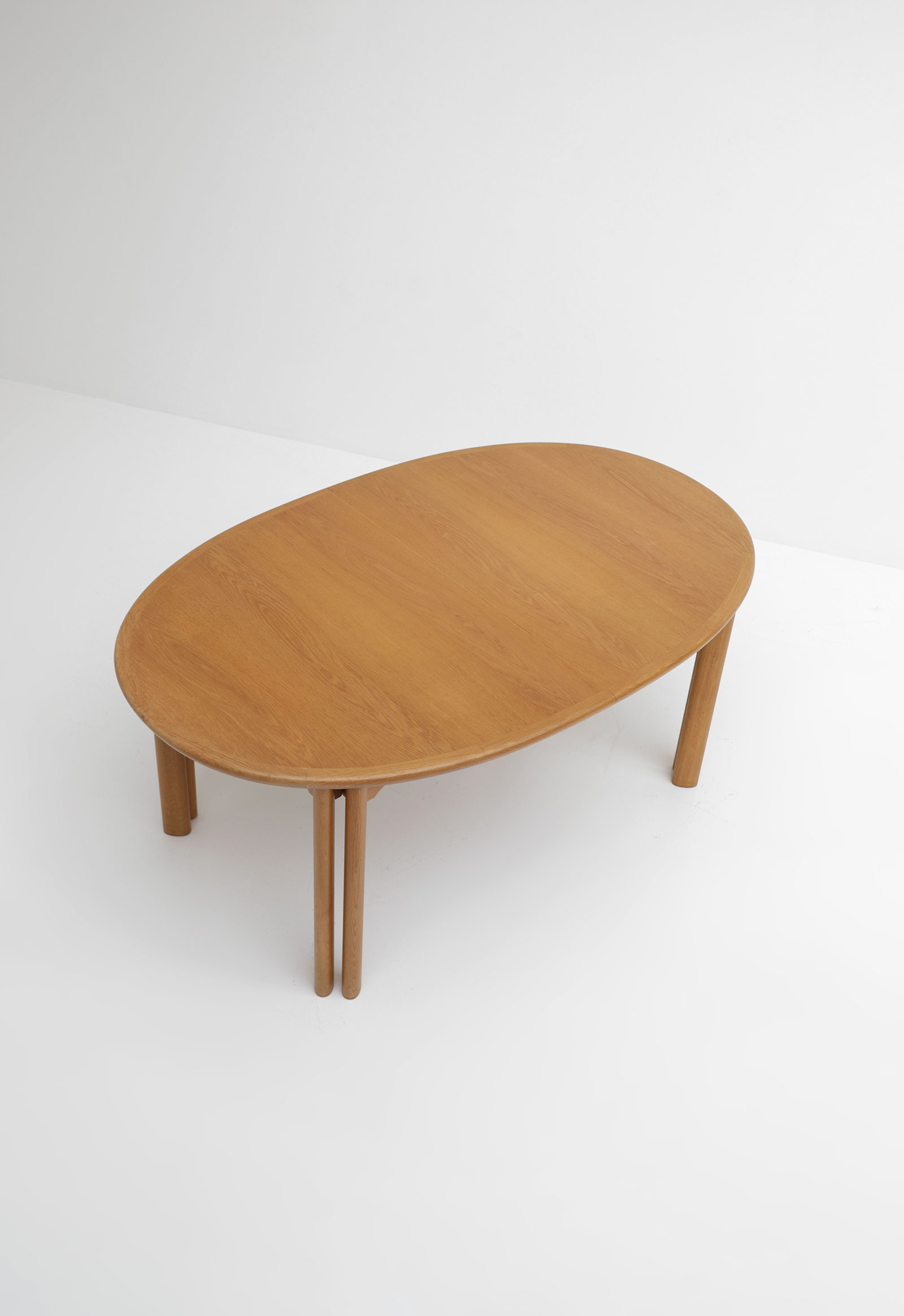 Oak Dining Table Van Den Berghe Pauversimage 4