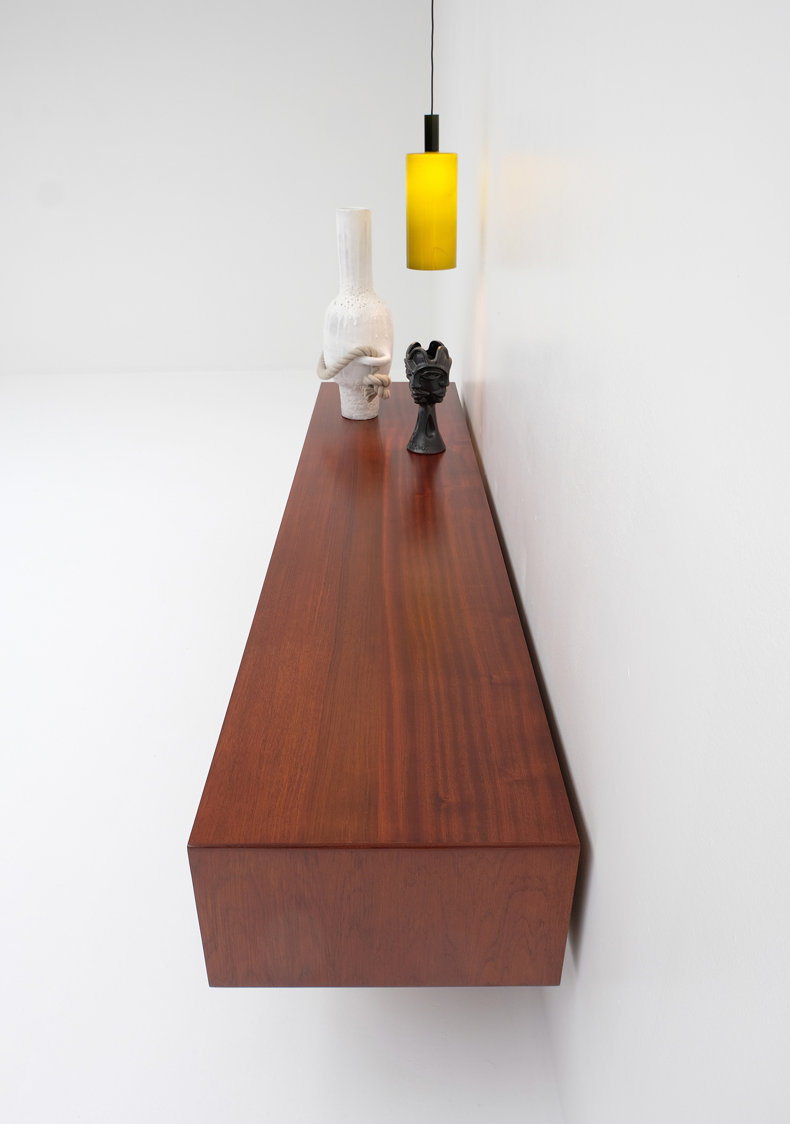 1958 V-form Paola Low Sideboard Oswald Vermaerckeimage 8