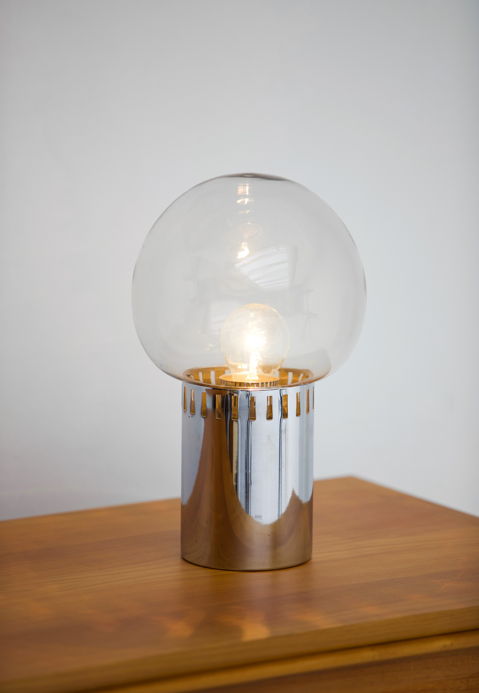 1970s chrome smoked glas lamp