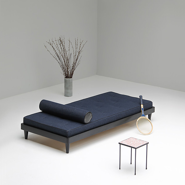 Modern fifties daybed with bolster
