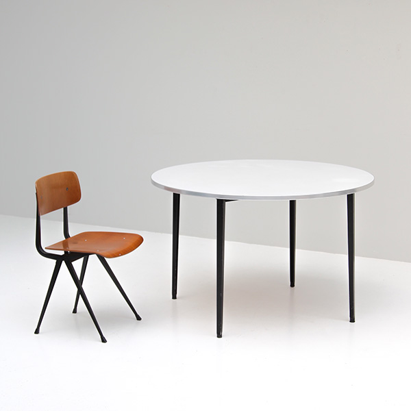 Friso Kramer rare round ''Reform'' table Ahrend De