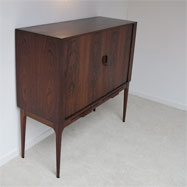 Danish Modern Quality rosewood cocktail cabinet bar