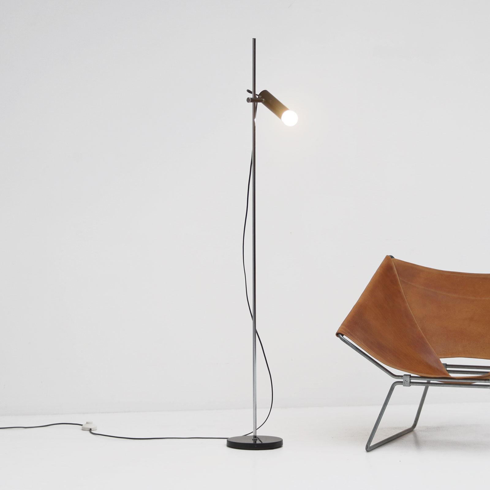 1950s Minimalist adjustable floor lamp