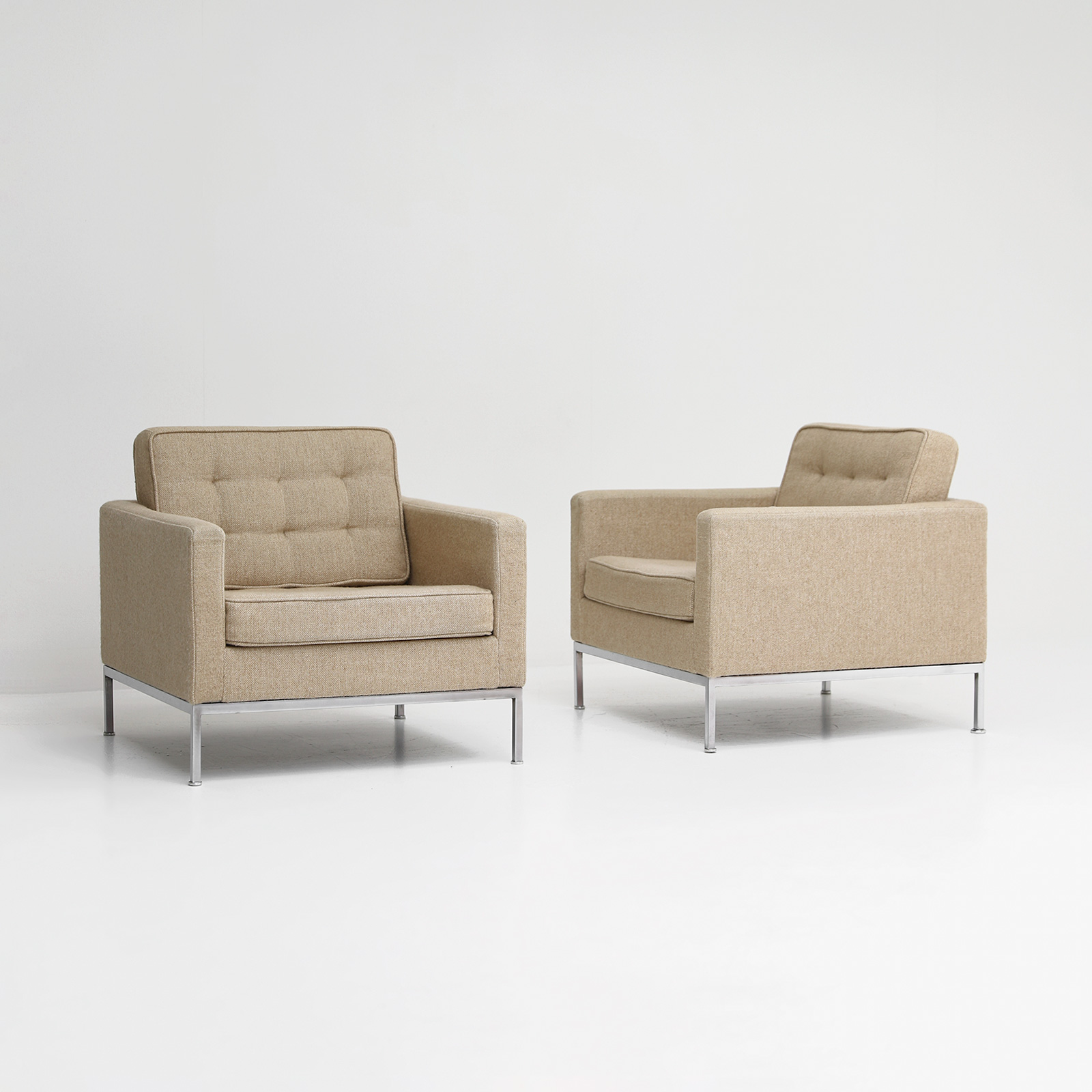 Florence Knoll office waiting room chairs