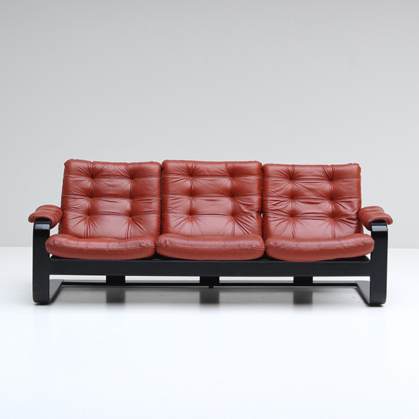 Pastoe red leather sofa