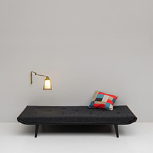 Minimalist 'Cleopatra' daybed